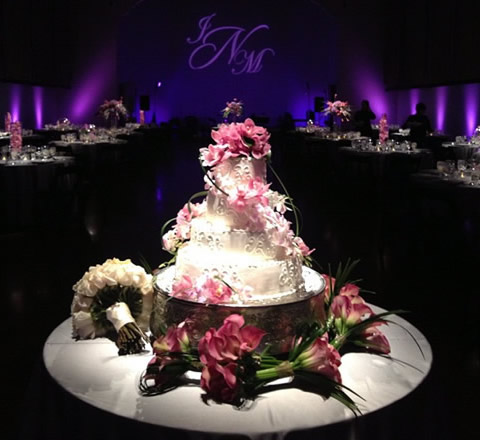 Use cake spotlights to make a wedding cake pop rent online at