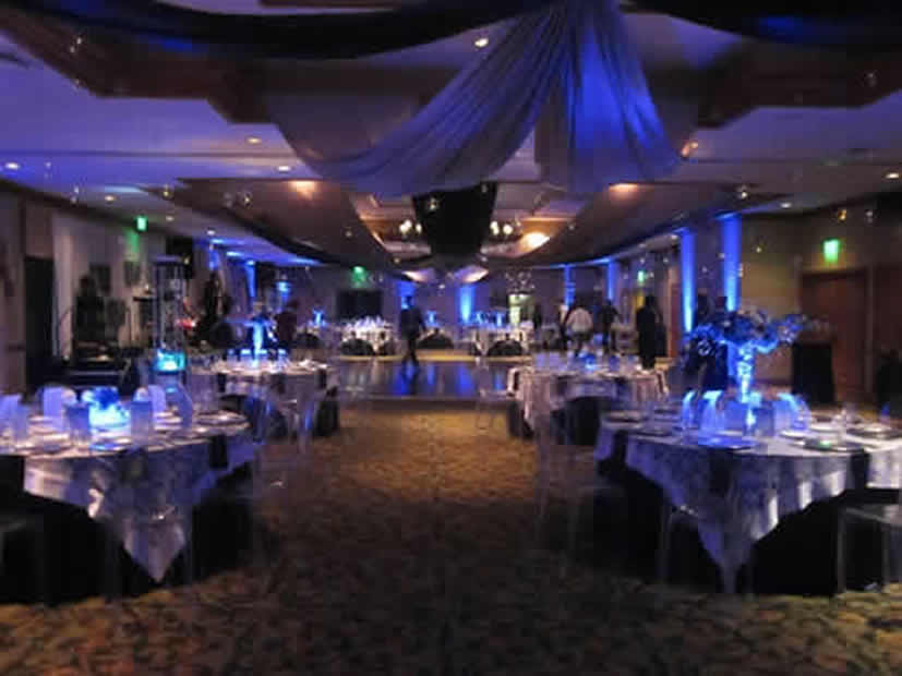 WEDDING UPLIGHTING || Rent online at rentmywedding.com. FREE shipping nationwide! Easy DIY setup.
